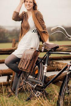 """""""Marc"""" kommt im tollen Retro-look und gibt deinem Style das gewisse etwas. Mit dem einfachen KLICKfix-System kann man die Tasche schnell an und abnehmen und die Tasche als Umhängetasche nutzen.  - Ledertasche - Echtleder - Gusti Leder - 2B25-20-5wp+"""