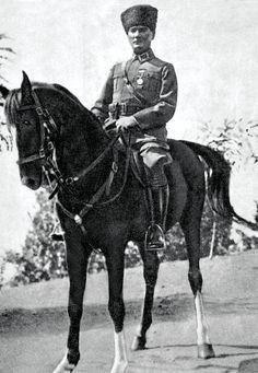 """""""Ben, 1919 yılı mayısı içinde Samsun'a çıktığım gün elimde maddi hiçbir kuvvet yoktu. Yalnız büyük Türk milletinin soyluluğundan doğan ve benim vicdanımı dolduran yüksek ve manevi bir kuvvet vardı. İşte ben bu ulusal kuvvete, bu Türk milletine güvenerek işe başladım."""" Mustafa Kemal ATATÜRK"""
