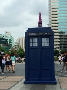 The #TARDIS is a #unicorn !!! #tardisinseoul @doctorwho_kor @DoctorWho_BBCA pic.twitter.com/5M18tdapog