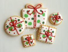 lizy b bakes - christmas - christmas cookies - gift cookies Christmas Sugar Cookies, Christmas Sweets, Christmas Cooking, Noel Christmas, Holiday Cookies, Christmas Decorations, Christmas Presents, Christmas Cakes, Christmas Christmas
