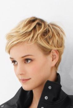 The Long and Short of It - Pixie Cuts . The Long and Short of It - Pixie Cuts . Short Blonde Pixie, Short Pixie Haircuts, Cute Hairstyles For Short Hair, Pixie Hairstyles, Curly Hair Styles, Textured Hairstyles, Long Pixie, Blonde Hairstyles, Hairstyles 2016