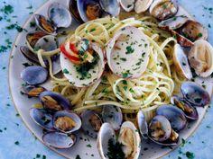 Spaghetti alla vongole-Naples