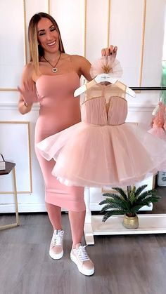Baby Girl Dresses Diy, Baby Girl Birthday Dress, Mommy And Me Dresses, Baby Girl Dress Patterns, Little Girl Dresses, Baby Girl Fashion, Kids Fashion, Kids Party Wear, Mode Abaya