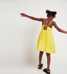 ZARA - KIDS - DAISIES DRESS Zara Kids, Zara Fashion, Tween Fashion, Summer Kids, Spring Summer, Moda Tween, Mode Zara, Yellow Dress, Daisy Dress