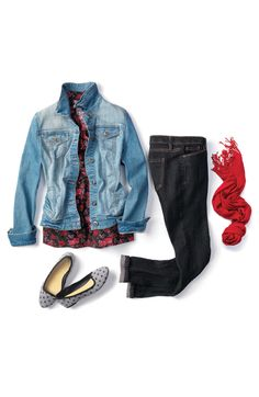 Fall fashion: 5 ways to style a floral top.  Outfit #1: Family night at the movies