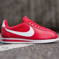 Nike Cortez Women's Snakeskin 6.5 Worn once. Perfect condition. Snack skin pack. Nike Shoes Athletic Shoes