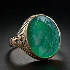 Intaglio green chalcendony gold ring, Victorian