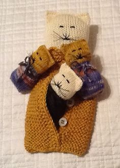Ravelry: SOHO Momma Cat and Her Baby Kittens pattern by Judith Carter