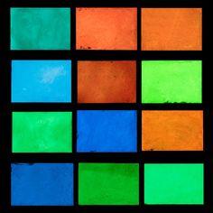 Barato Quente Nenhum Radiação Luminosa Brilho Em Pó Pó de Pigmento Noctilucentes Brilham no Escuro Fluorescente Super Brilhante DIY Art Pintura 10g, Compro Qualidade   diretamente de fornecedores da China:  especificações:1. Material: Pó Luminosa2. Color: Verde Amarelo, Verde azul, céu Azul, verde, azul, am