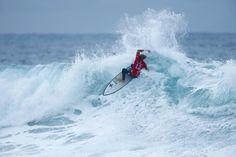 World Surf League: 2016 Rip Curl Pro Bells Beach, Mason Ho knocks out Adriano de Souza in Round 3 / Round 3はマッチアップ形式で行われ、ラウンド後半は波のコンディションと同様に大荒れの結果となった。