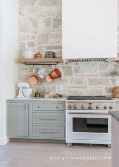 Kitchen Dinning, Home Decor Kitchen, New Kitchen, Home Kitchens, Kitchen Design, Dining Room, Kitchen Ideas, Island Kitchen, Kitchen Inspiration