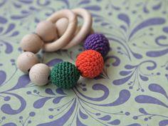Beißering. Greifling. Spielzeug für Babys von NiHaMa - Nice Hand Made auf DaWanda.com