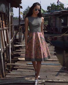 Nama : Dress Nymsand Price : 1.200.000 Kode : D.02.12.15 Size : S M L #ivangunawan #jajakabyivangunawan Kami tidak menjawab via comment silahkan via chat line, bbm, atau whatsapp Photographed by @fdphotography90 Model @bungajelitha21 Makeup @tedzamakeupandhair Kami tidak melayani pertanyaan di instagram silahkan pilih admin via : Whatsapp 081288558483 Line 1 : igunonshop Line 2 : @vty6912q BBM : 57609BAC Pilih salah satu
