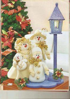 2 Christmas Sewing, Christmas Fabric, Christmas Snowman, Christmas Crafts, Christmas Ornaments, Snowman Crafts, Felt Crafts, Diy And Crafts, Felt Christmas Decorations
