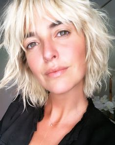 Shag haircuts are an easy way to add texture, volume, and depth to your hair. Ahead, 20 stunning shag haircuts and hairstyles for every length and texture. Shaggy Short Hair, Medium Shag Haircuts, Shaggy Haircuts, Cute Hairstyles For Short Hair, Layered Haircuts, Short Hair Cuts, Blonde Hairstyles, Casual Hairstyles, Cool Haircuts