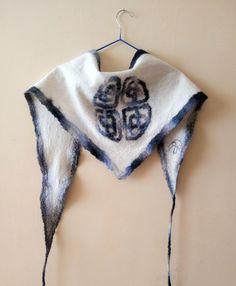 Triangle wool shawl Celtic knot shawl Neck warmer Neck by Allatai