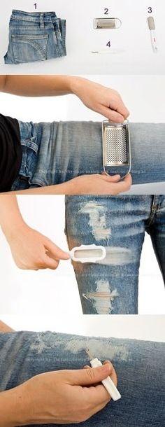 Cómo romper o rasgar tus jeans con un rallador #jeans #diy
