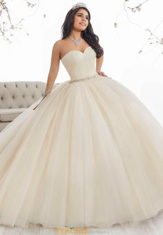Captivating assisted pretty quinceanera dresses Yes! Xv Dresses, Cotillion Dresses, Quince Dresses, Ivory Dresses, Prom Dresses, Sweet 16 Dresses, Pretty Dresses, Beautiful Dresses, Vestidos Color Ivory