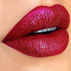 @anastasiabeverlyhills Liquid lips 'Sarafine' @maccosmetics Red reflex glitter