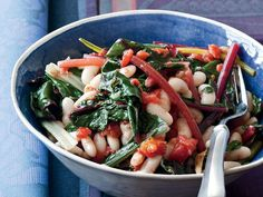 Quick White Bean Stew with Swiss Chard and Tomatoes - The Good News Low in fat but high in protein, beans are one of Joe Bastianich's favorite ingredients. He uses white beans here, but he also loves maki. Vegetarian Stew, Vegetarian Recipes, Healthy Recipes, Healthy Tips, Delicious Recipes, Wine Recipes, Soup Recipes, Cooking Recipes, Bean Recipes