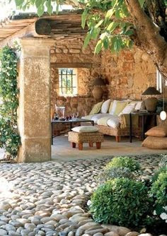 beautiful private patio exterior / garden design old world Rustic Outdoor Spaces, Outdoor Rooms, Outdoor Gardens, Outdoor Living, Outdoor Decor, Rustic Patio, Outdoor Kitchens, Outdoor Seating, Outdoor Lounge