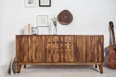 Drewniana komoda w stylu retro