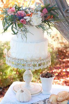 Photography: Samantha Randall Photography - samantharandall.com/  Read More: http://www.stylemepretty.com/little-black-book-blog/2014/04/18/bohemian-chic-wedding-ideas/