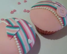 """How to make striped fondant also has royal icing """"how to"""" for flooding cookies."""