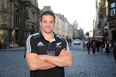 Richie & Edinburgh, two of my favourite things in one photo! All Blacks Rugby Team, Nz All Blacks, Richie Mccaw, All Black Everything, First Photo, Edinburgh, Studs, Sports, All Black