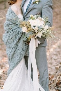 Cozy winter textures inspiration Shoot (Grey Likes Weddings) - Winter Wedding Inspiration - Wedding Songs, Wedding Tips, Trendy Wedding, Perfect Wedding, Wedding Styles, Wedding Photos, Wedding Planning, Wedding Details, Bridal Pics