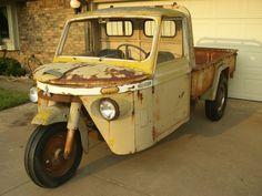 Market Flooded: 1960 Mitsubishi TM15 Three Wheeled Truck