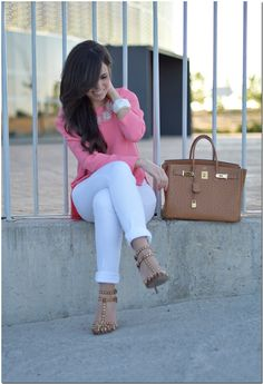 Latest looks on Chicisimo Dressy Outfits, Jean Outfits, Spring Outfits, Cool Outfits, Fashion Outfits, Womens Fashion, White Pants Outfit, Jenifer Aniston, Elegant Outfit