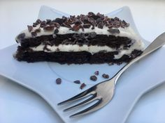Cizrnové brownies s pudinkovo tvarohovým krémem Brownies, Pudding, Vegetarian, Desserts, Food, Bulgur, Cake Brownies, Tailgate Desserts, Deserts