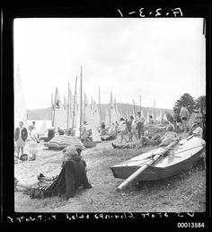 Vee Jays line the shore at Pittwater during the 1952/53 State Titles