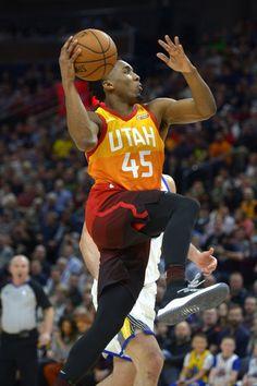 In new uniforms, Utah Jazz trounce Golden State Warriors, 129-99