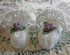 Crochet Blessing / Christening Booties to di OopsieDaisyDesigns