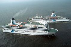 2003 - Een mooi gezicht, de Queen en Prince of Scandinavia samen op de Noordzee