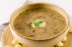 Easy, Healthy Weight Watchers Creamy Potato Mushroom Soup Recipe with nutritional information and Smart Points Plus Easy Mushroom Soup, Mushroom Soup Recipes, Mushroom Broth, Mushroom Bisque, Plats Weight Watchers, Weight Watchers Meals, Creamed Mushrooms, Stuffed Mushrooms, Stuffed Peppers