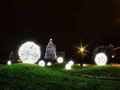 Anze Kovach: Pa je spet Veseli december