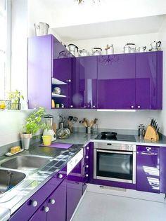 Purple kitchen interior design and decor inspiration Purple Kitchen Designs, Kitchen Room Design, Modern Kitchen Design, Home Decor Kitchen, Interior Design Kitchen, Home Design, Kitchen Contemporary, Design Ideas, Kitchen Rustic