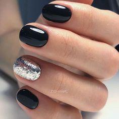 Sparkly Nail Designs, Round Nail Designs, Sparkly Nails, Winter Nail Designs, Black Nails With Glitter, Acrylic Nail Shapes, Acrylic Nails, Marble Nails, Short Round Nails