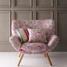 Armchair with comfortable padding
