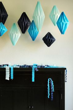 6 Easy DIY Paper Party Decorations ⋆ Handmade Charlotte Diy Paper Crafts diy paper crafts for your room Tissue Paper Lanterns, Tissue Paper Crafts, Paper Paper, Diy Décoration, Easy Diy Crafts, Decor Crafts, Deco Turquoise, Craft Tutorials, Diy Projects