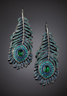 Sparkly and peacock feathers... two of my favorite things