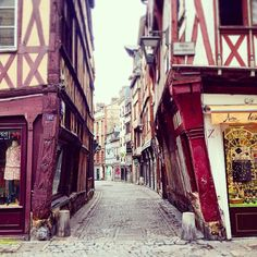 """benjammin007: """" #rouen #france amazing buildings which makes you wonder how are they still standing up. #crooked #architecture """""""