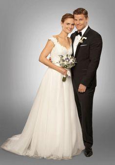 Brides: Bones' Emily Deschanel Wears a Legends by Romona Keveza Wedding Dress  I LOVE this dress