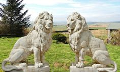 Giant pair of stone cast lions