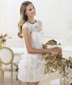 Los vestidos de novia cortos son ideales tanto para la ceremonia religiosa como el civil - Vestidos de novia 2014 de Pronovias cortos - Modelo LAGATTE