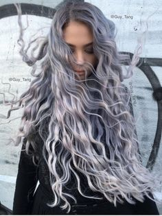 25 Awesome Silver Hair Color Looks to Try in 2018 || Silver Hair Color Looks || Silver Hair Color Ideas || Hair Color Ideas || Hair Dye Ideas