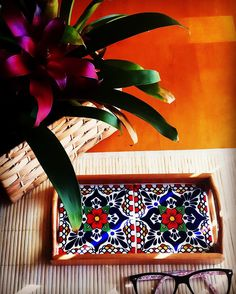 How is your Tuesday (or Wednesday) so far?! Hope it's peacefully productive! #colorinspiration  #decoratingideas  #crafts #thecozycasita  #inspiration  #art #creative #organizing  #cozy #design #folkart  #tile  #talavera #tradition #traditional #tileaddiction #ihavethisthingwithtiles #tilelove #homedecor #design #nationalcraftmonth #photostyling #tuesday by thecozycasita